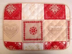 Mantel individual Antimanchas - Modelo CORAZÓN MONTAÑA - Rojo