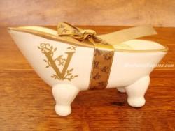 Jabonera de cerámica letra V