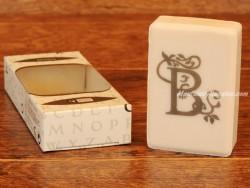 Jabón perfumado - Letra B