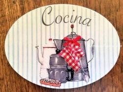 Placa de cocina con 3 cafeteras (con texto COCINA)