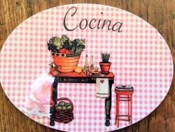 Placa de cocina con verduras frescas (con texto COCINA)