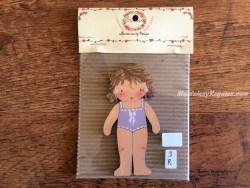 Muñeca recortable madera y vestido 10 cm. bañador lila