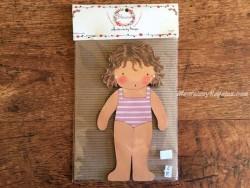 Muñeca recortable madera y vestido 20 cm. bañador lila