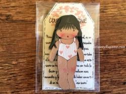 Muñeca recortable madera 7 cm. 2 coletas bañador blanco