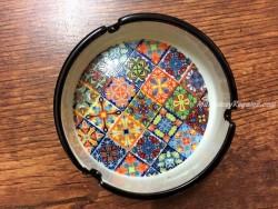 Cenicero cerámica modelo CUADROS MULTICOLOR PALAMÓS
