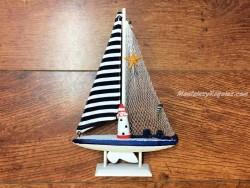 Barco velero de 26,5 cm. color azul marino