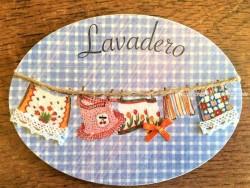 Placa de puerta para lavadero con ropa colgando (con texto LAVADERO)