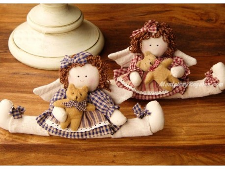 Muñeco - Modelo NIÑAS OSITO (2 modelos a elegir, vestido rojo o vestido azul)