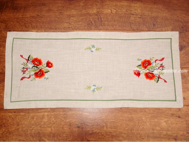 Camino de mesa bordado - Modelo FLORES ROJAS - 40 x 90 cm.
