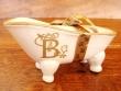 Jabonera de cerámica letra B