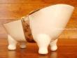 Jabonera de cerámica letra F