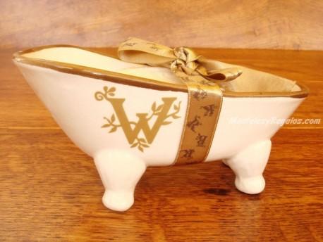 Jabonera de cerámica letra W