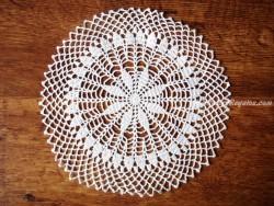 Tapete bordado redondo - 27 cm. diámetro