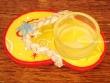 Sandalia portavelas - 11 cm. (fondo amarillo y rojo)