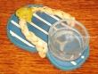 Sandalia portavelas - 11 cm. (fondo azul a rayas)
