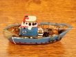 Barco Pesquero de resina - 9 cm. (modelo nº 1)