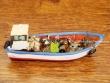 Barco Pesquero de resina - 9 cm. (modelo nº 2)