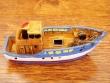 Barco Pesquero de resina - 9 cm. (modelo nº 3)