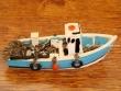 Barco Pesquero de resina - 9 cm. (modelo nº 4)