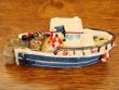 Barco Pesquero de resina - 9 cm. (modelo nº 6)