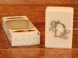 Jabón perfumado - Letra D