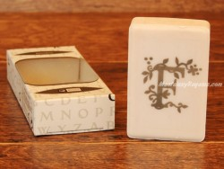 Jabón perfumado - Letra F
