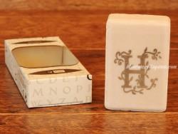 Jabón perfumado - Letra H