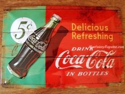 Placa metálica COCA-COLA IN BOTTLES - 20 x 30 cm. de Nostalgic-Art