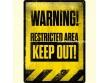 Placa metálica WARNING - RESTRICTED AREA - 30 x 40 cm. de Nostalgic-Art