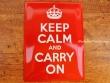Placa metálica KEEP CALM AND CARRY ON - 30 x 40 cm. de Nostalgic-Art