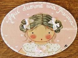 Placa para puerta niña vestido blanco topos (Aquí duerme una Princesa)