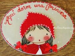 Placa para puerta niña caperucita roja (Aquí dorm una Princesa)