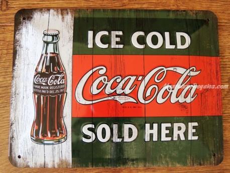 Placa metálica COCA-COLA SOLD HERE - 15 x 20 cm. de Nostalgic-Art