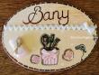 Placa para puerta baño fondo beige claro (Bany)
