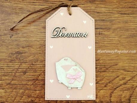 Placa para pomo de puerta dormitorio con cuna (DORMITORI sobre fondo color rosa)