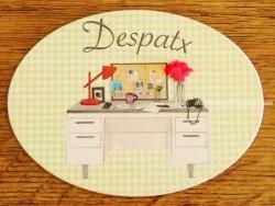 Placa de puerta con mesa de oficina (con texto DESPATX)
