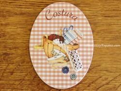 Placa de puerta con cesto y artículos Costura