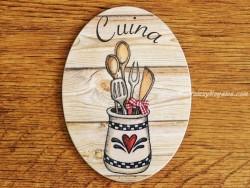 Placa de cocina con tarro y utensilios (con texto CUINA)