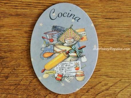 Interesante placa de puerta de cocina con menaje y accesorios for Cocina y menaje